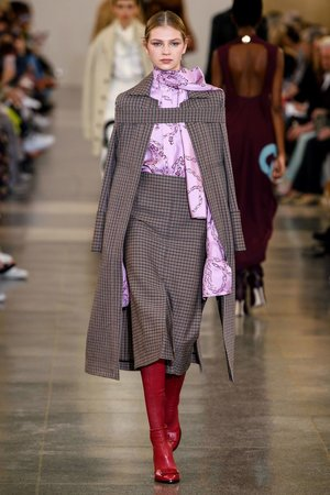 Victoria-Beckham-Herbst_Winter-2019-2020-Ready-to-Wear-Fashion-Shows-_-Vogue-Germany