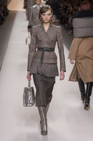 Fendi-Herbst_Winter-2018-2019-Ready-to-Wear-Fashion-Shows-_-Vogue-Germany