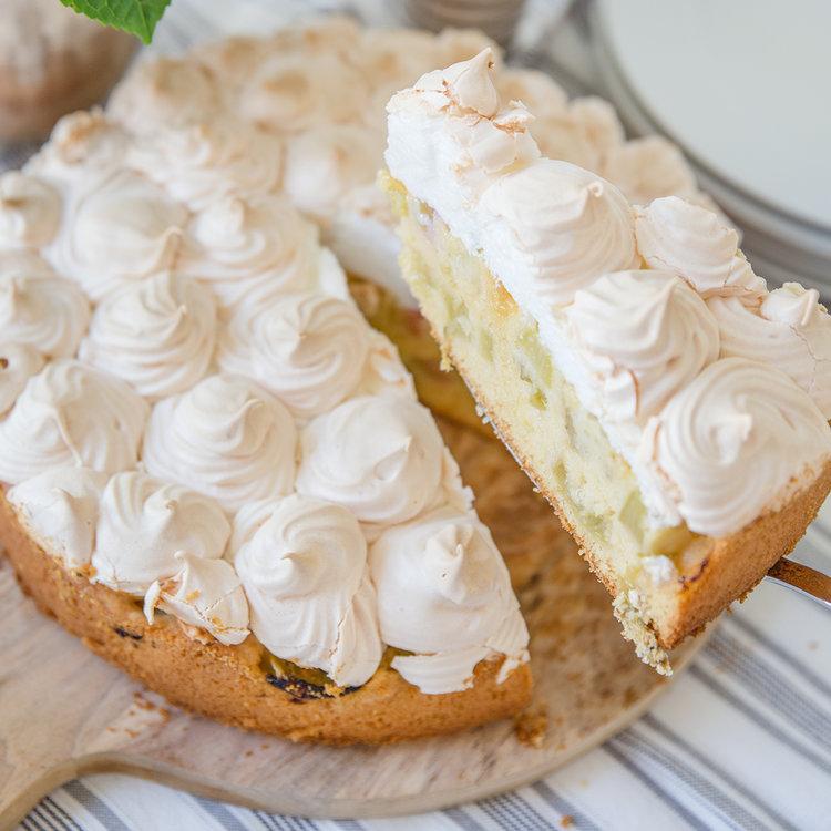 Saisonrezept Mai - Rhabarber-Basierkuchen