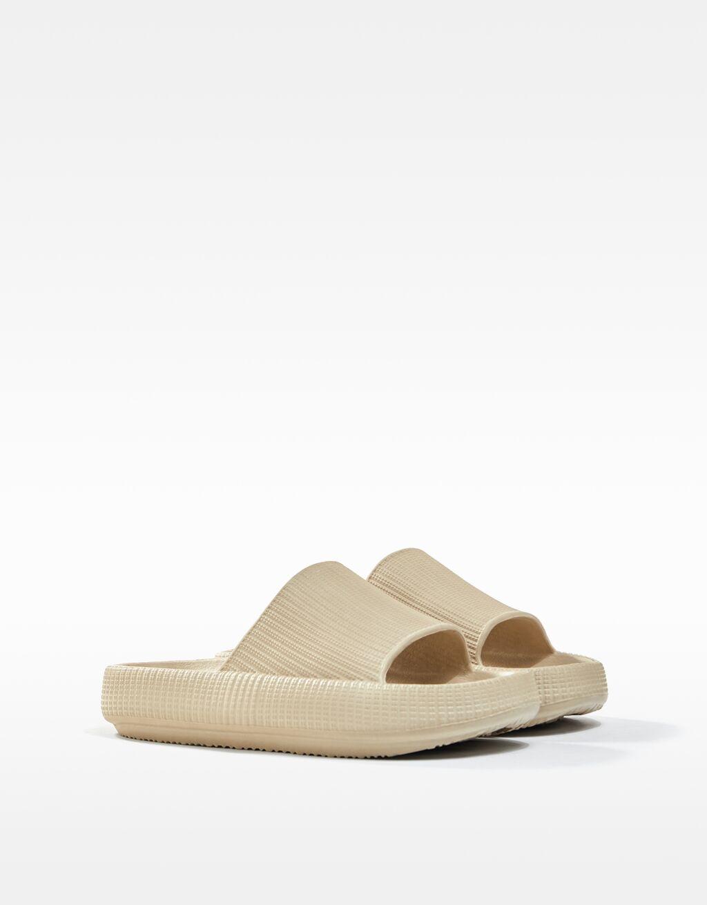 Bershka Sandale 15,99 Euro