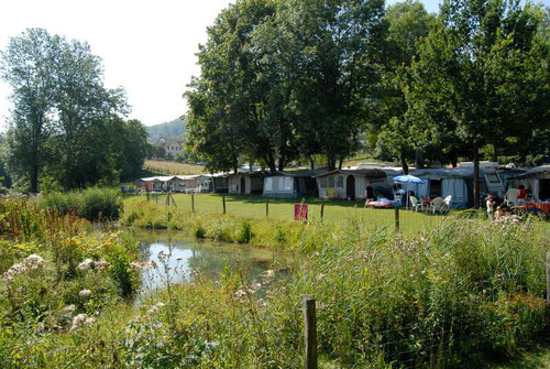 Bild: @https://www.camping-schaffhausen.ch/camping/
