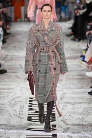 Stella-McCartney-Herbst_Winter-2019-2020-Ready-to-Wear-Fashion-Shows-_-Vogue-Germany-1